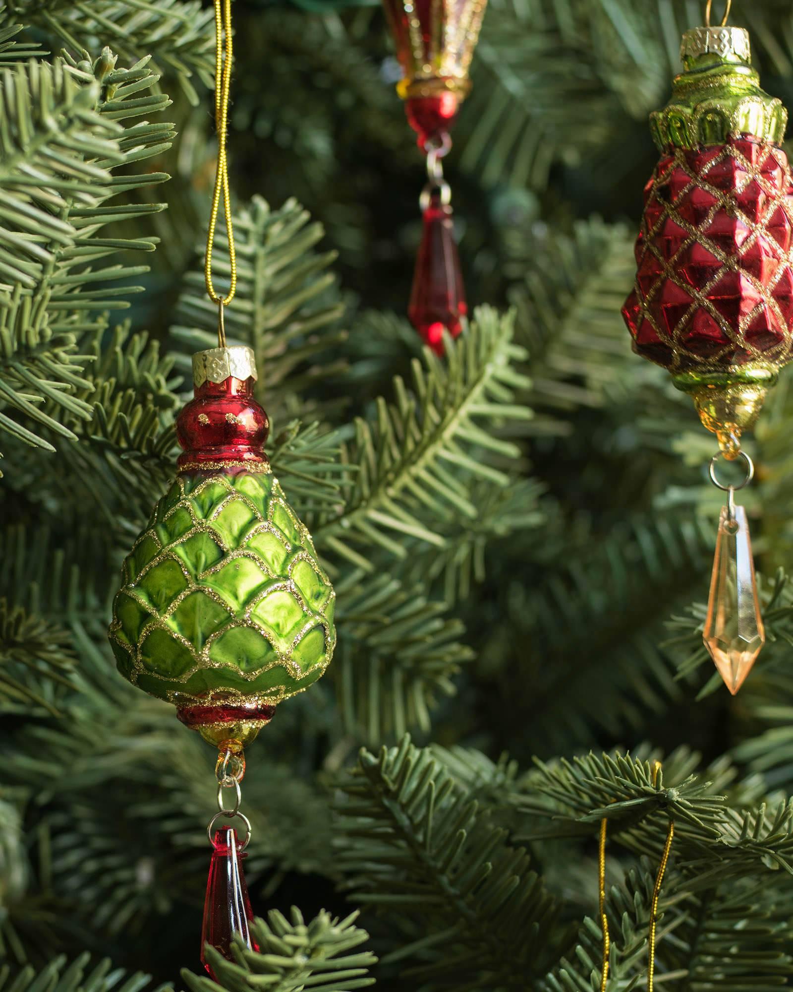 Mistletoe And Holly Glass Ornament Set, 35 Pieces Alt