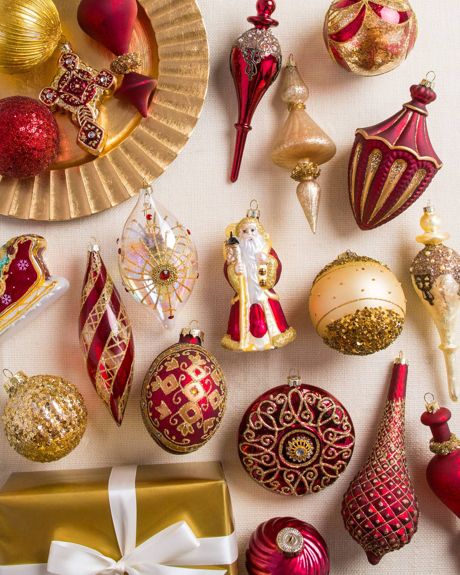 Christmas Decorations: Set Of 12 Noel Ornaments